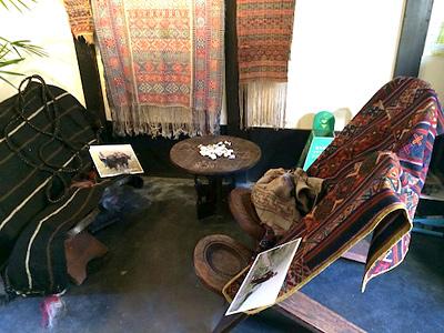 「境町画廊でブータン織物職人の手際にびっくり3